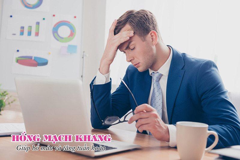 Đau đầu là triệu chứng thiểu năng tuần hoàn não ở người trẻ